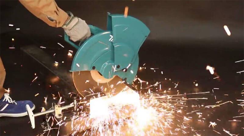 Vì sao máy cắt sắt Makita LW1401 là lựa chọn lý tưởng cho bạn?