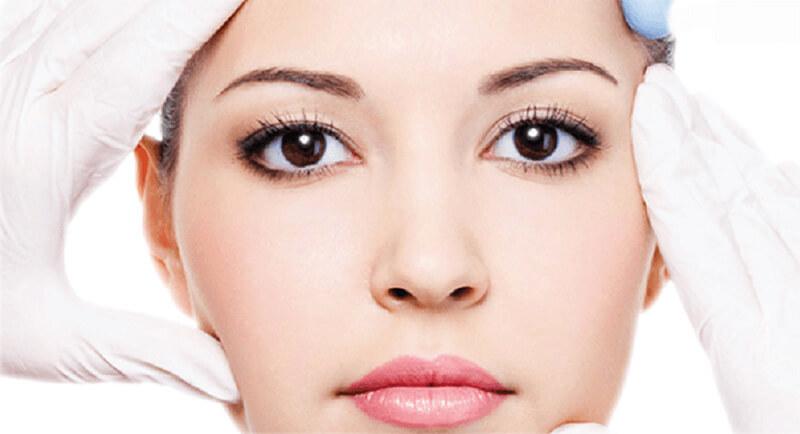 Tiêm botox làm khuôn mặt trẻ hóa