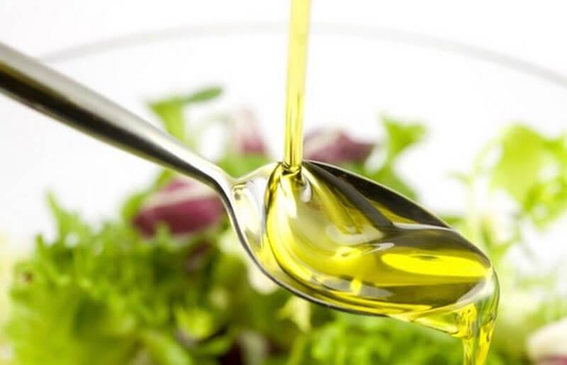 Chất béo trong dầu oliu hạn chế sự hấp thu cồn của cơ thể