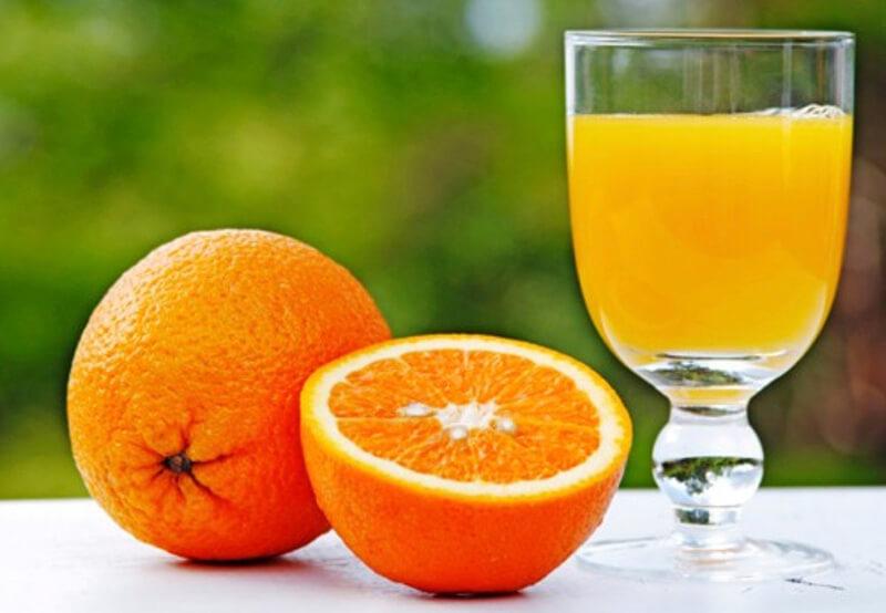 nước cam và mật ong có chứa một loại chất đường là fructose