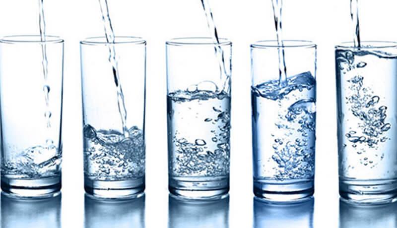 Nước lọc: Đây là cách đơn giản nhất để hóa giải độc tố do bia rượu gây ra