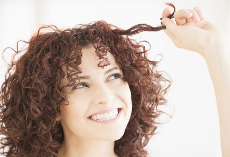 Những kiểu tóc đẹp cho người có mái tóc xoăn