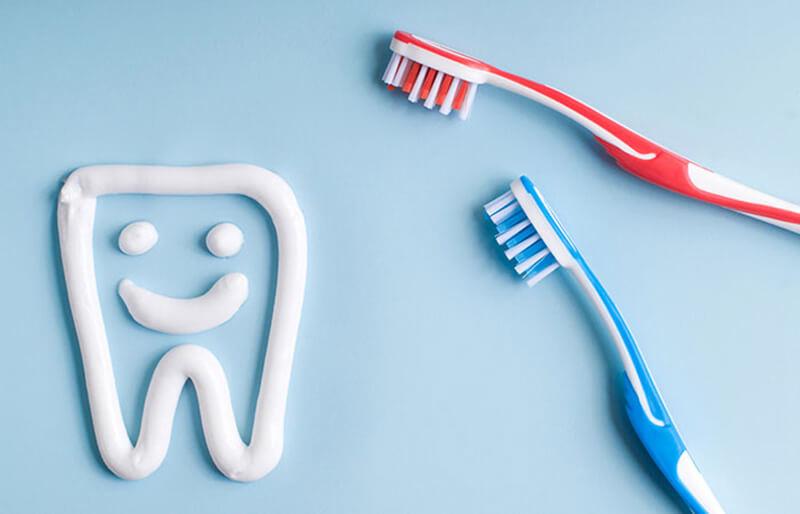 Tại sao bạn nên tự làm kem đánh răng?