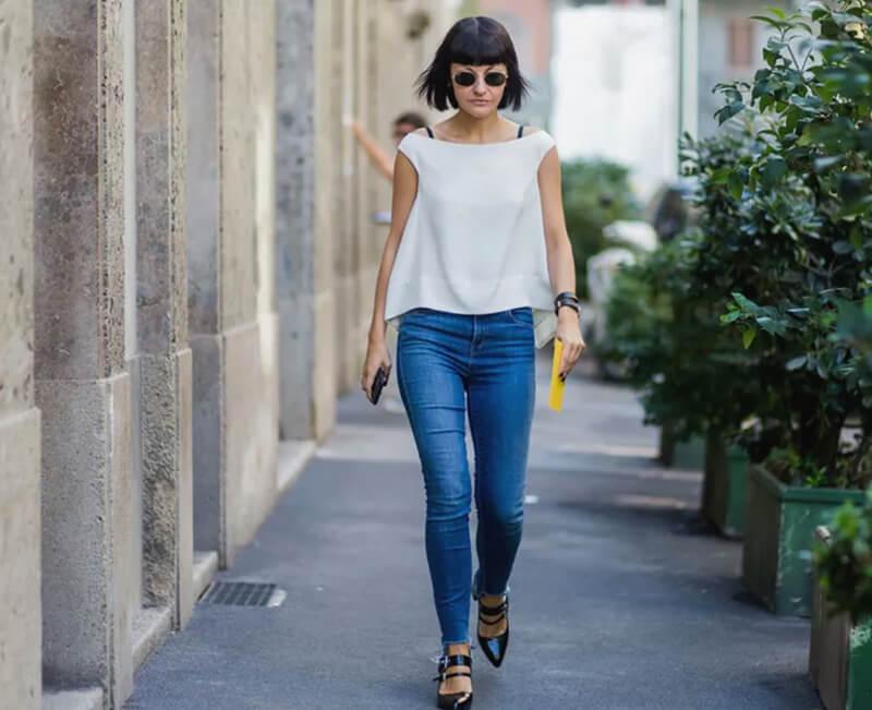 Mua quần jean có chất liệu co giãn