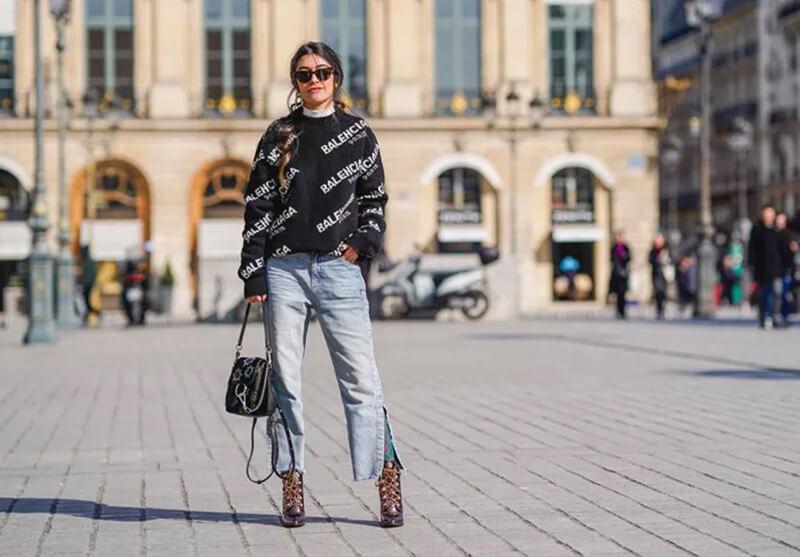 Hướng dẫn cách mặc quần jean ống loe đơn giản đẹp