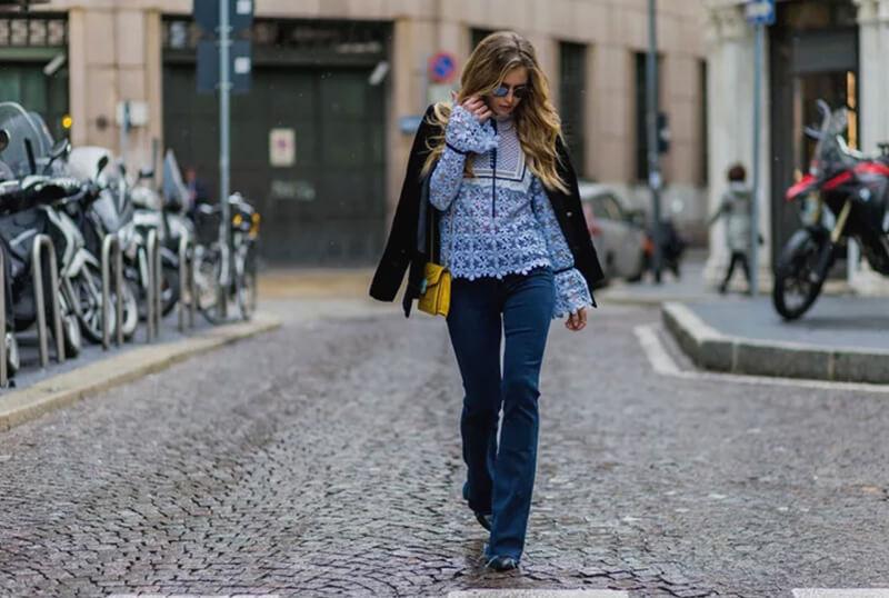 Cách phối quần jean với áo kẻ sọc caro cực chuẩn