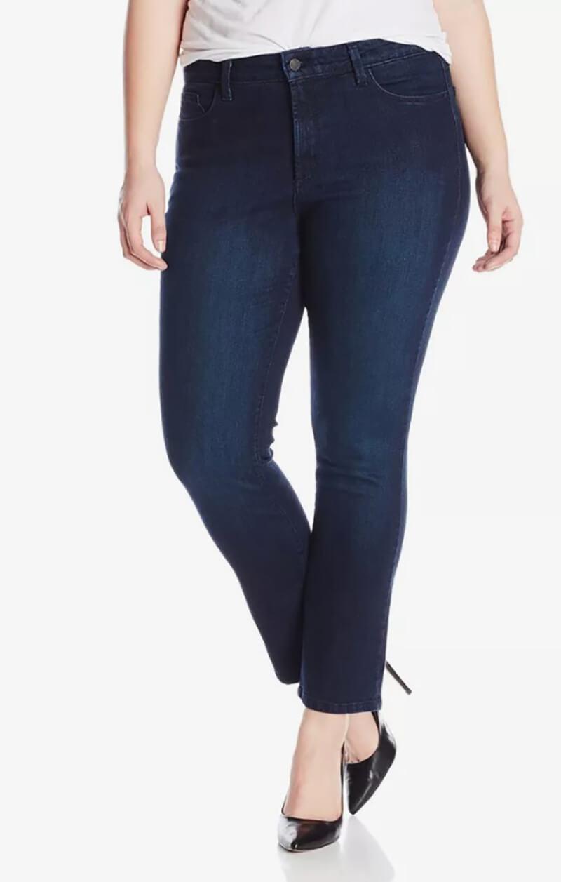 Chọn một Dark Wash Jean