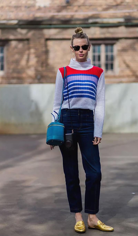 Mặc áo len dễ thương