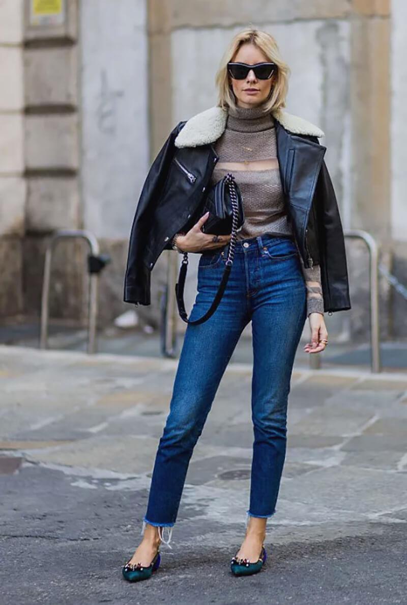 Quần jeans, áo len và áo khoác da