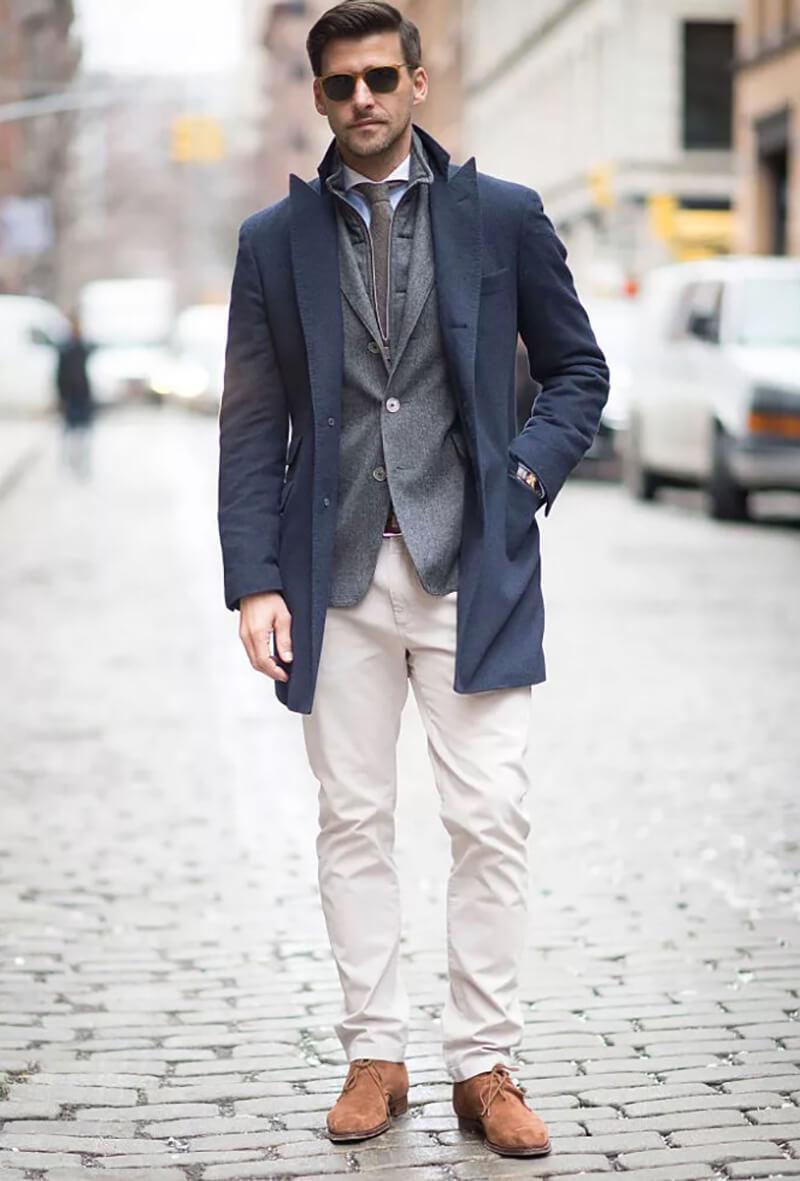 Phong cách công sở cho nam giới - Blazer và quần jean trắng