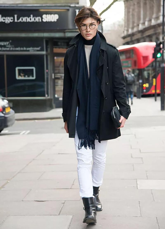 Trang phục cà phê ngày mới – Quần jean trắng và áo khoác tối