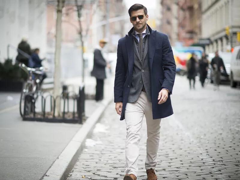 Cách phối hợp quần jean trắng cho nam – Xu hướng thời trang hiện đại