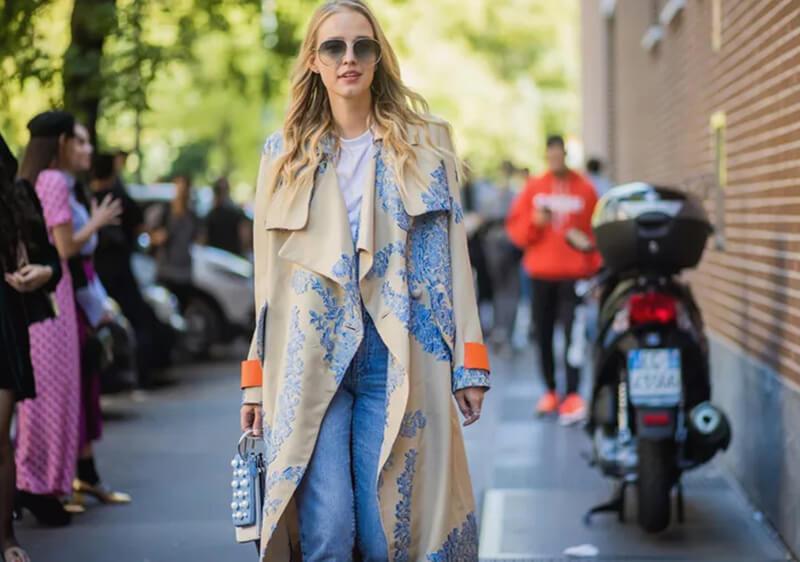 Cách phối đồ theo phong cách đường phố với kiểu quần jeans basic