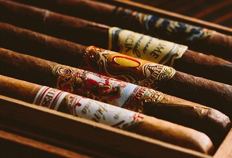 Giá thành về xì gà Cuba có sự chênh lệch khiến người dùng hoang mang